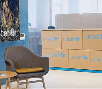 reception-skranke-specialinventar-hovedkontor-indretningsløsning-design-BOTIUM-3-350x303